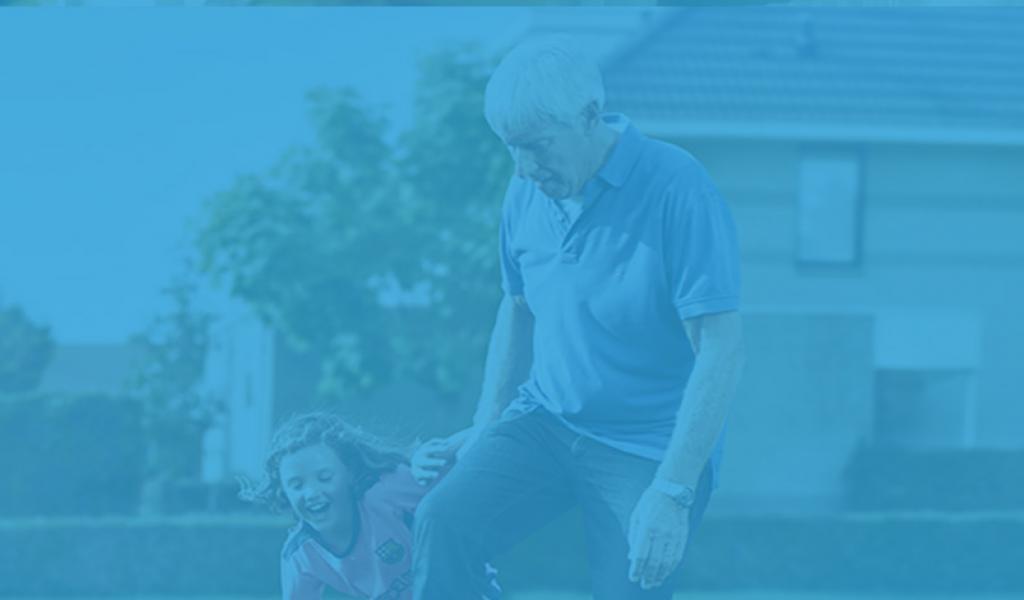 Veilig op pad met personenalarmering buitenshuis met kleinkinderen