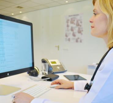 Cardioloog gebruikt HartWacht om hartpatiënten te monitoren