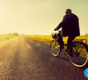 Man on bicycle thanks to eHealth